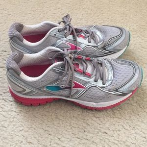 Brooks Ghost 8th edition Running Shoes Sz 8.5